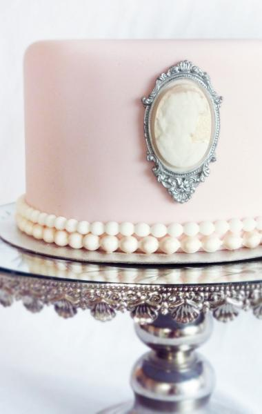Vintage Wedding Cake with Pearls and Cameo